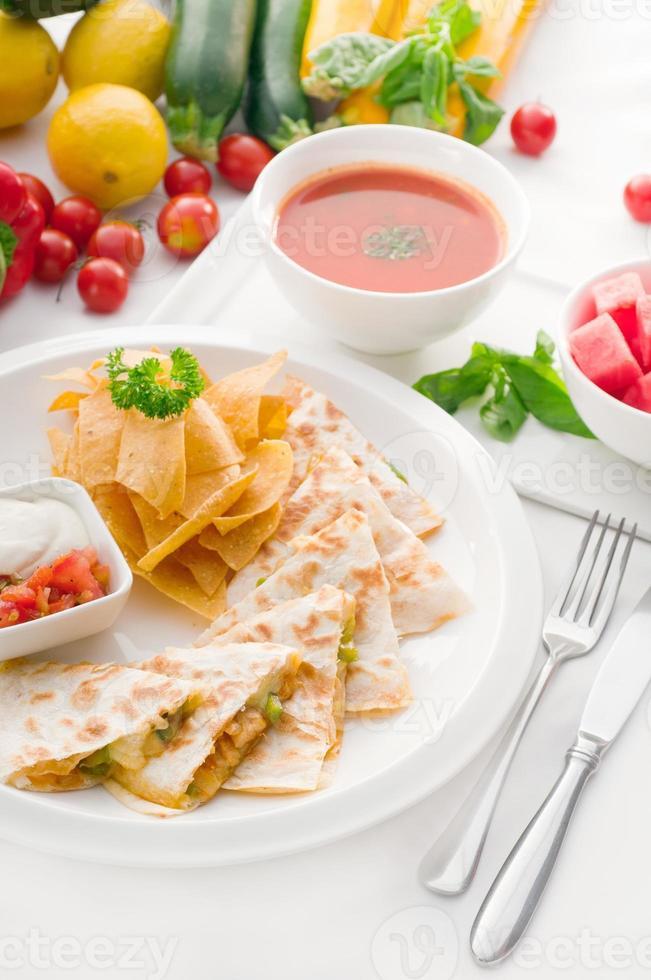 Original mexikanische Quesadilla de Pollo foto