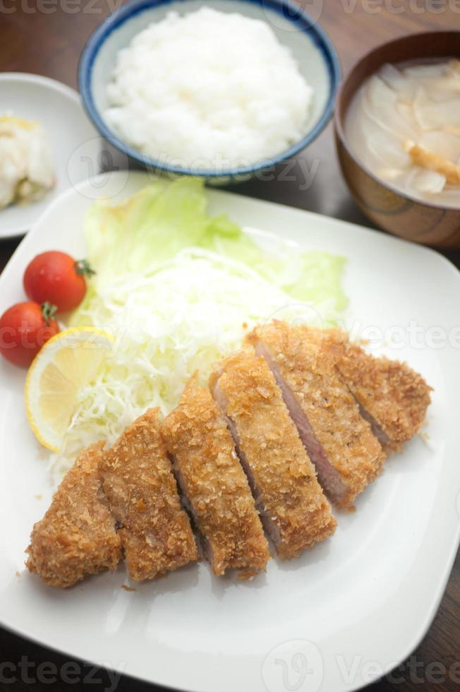 japanische Küche Tonkatsu foto