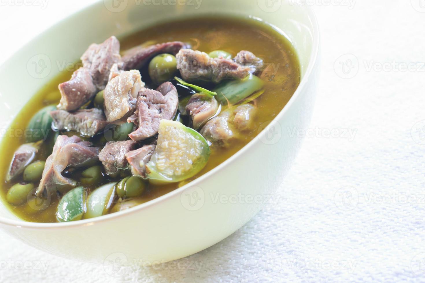 Huhn in grünem Curry foto