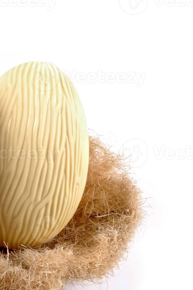 weißes Schokoladen-Osterei foto