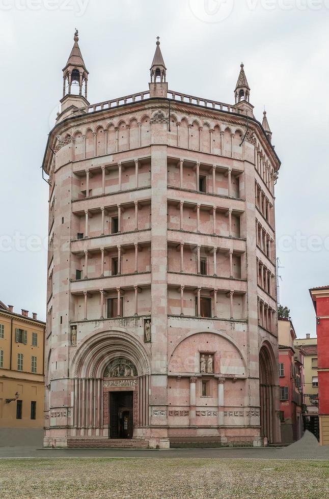 Baptisterium von Parma, Italien foto