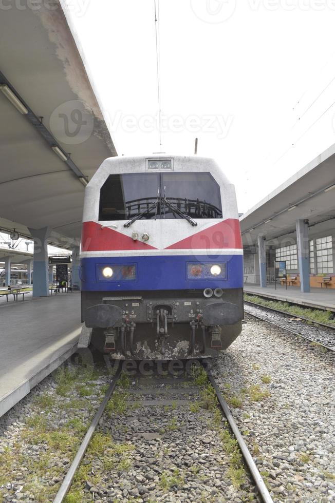 Zug am Bahnhof foto