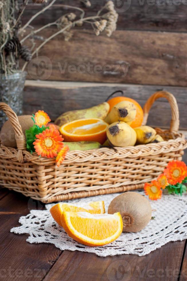 Obst auf dem Tisch foto
