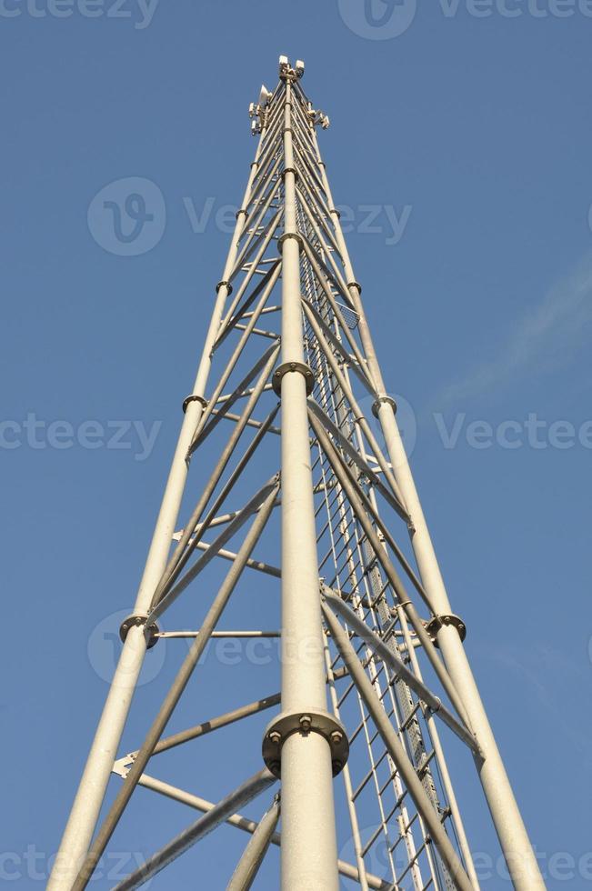 Telekommunikationsturm aus Stahl foto