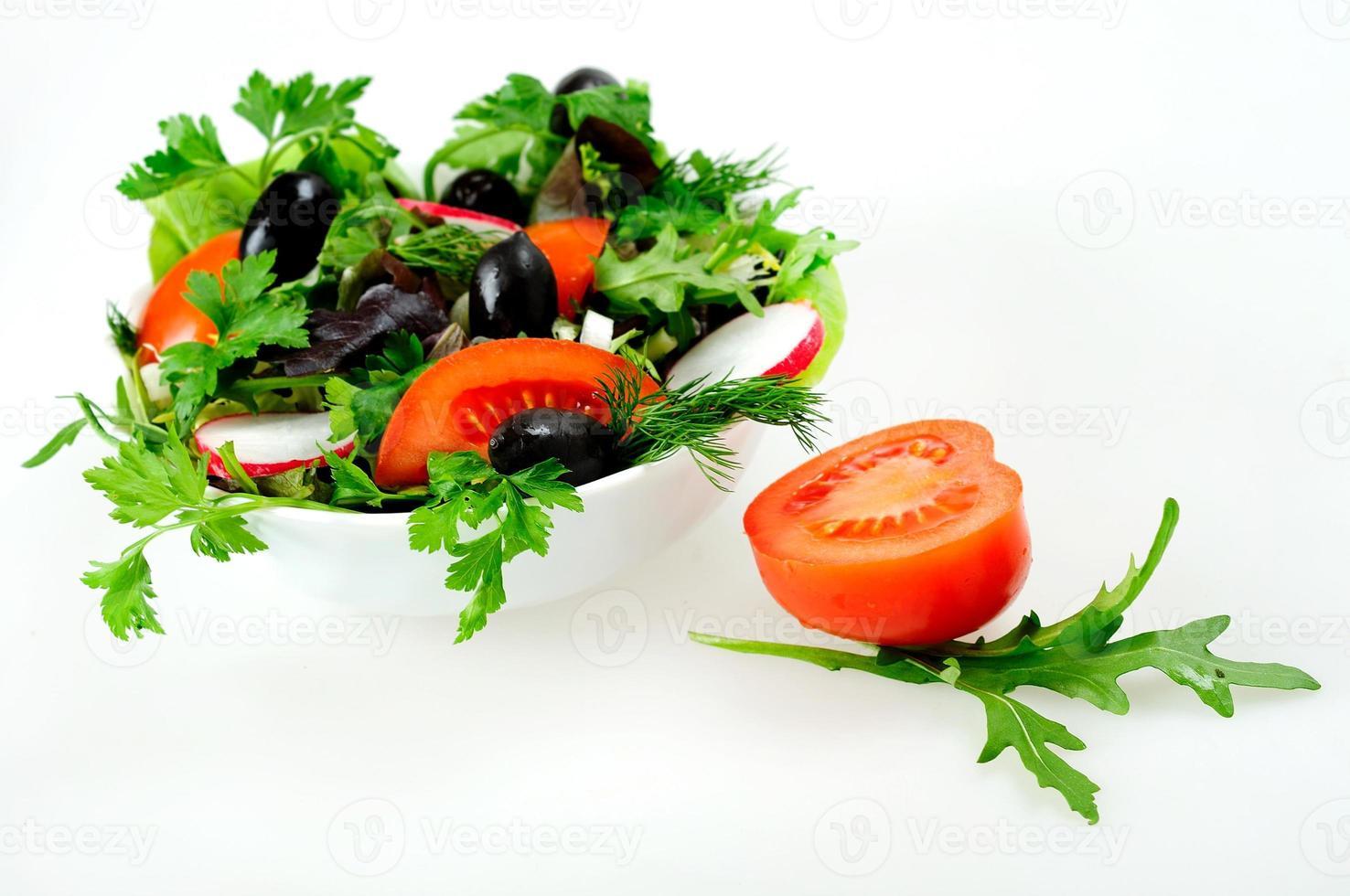 Schüssel mit Salat foto