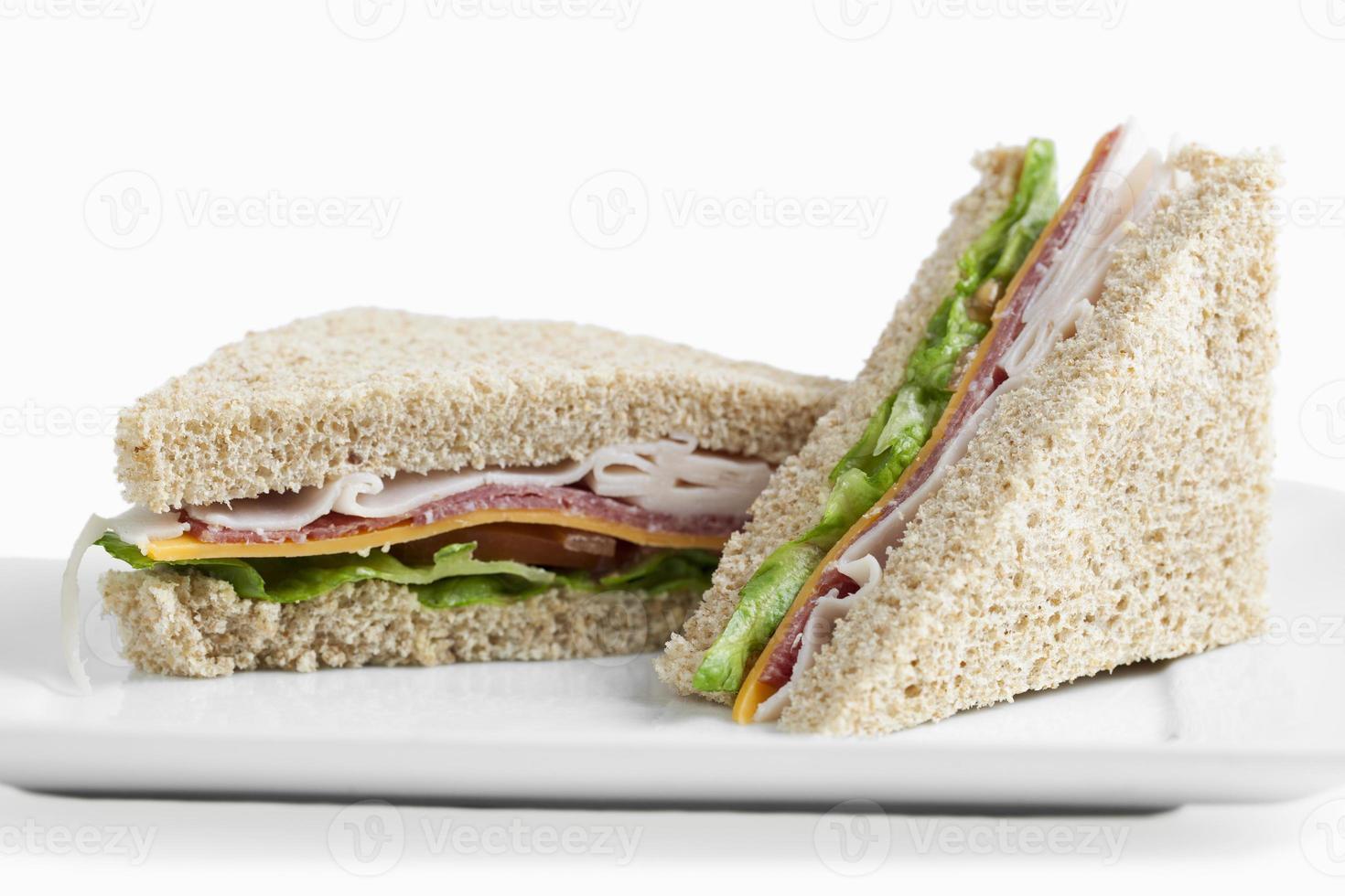 Club Sandwiches auf einem Teller foto