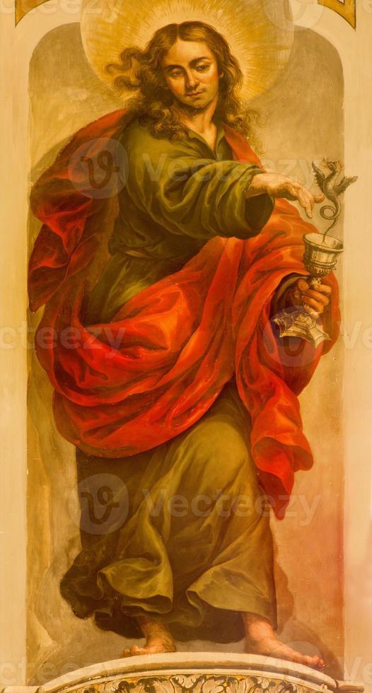 sevilla - fresko von st. Johannes der Evangelist foto