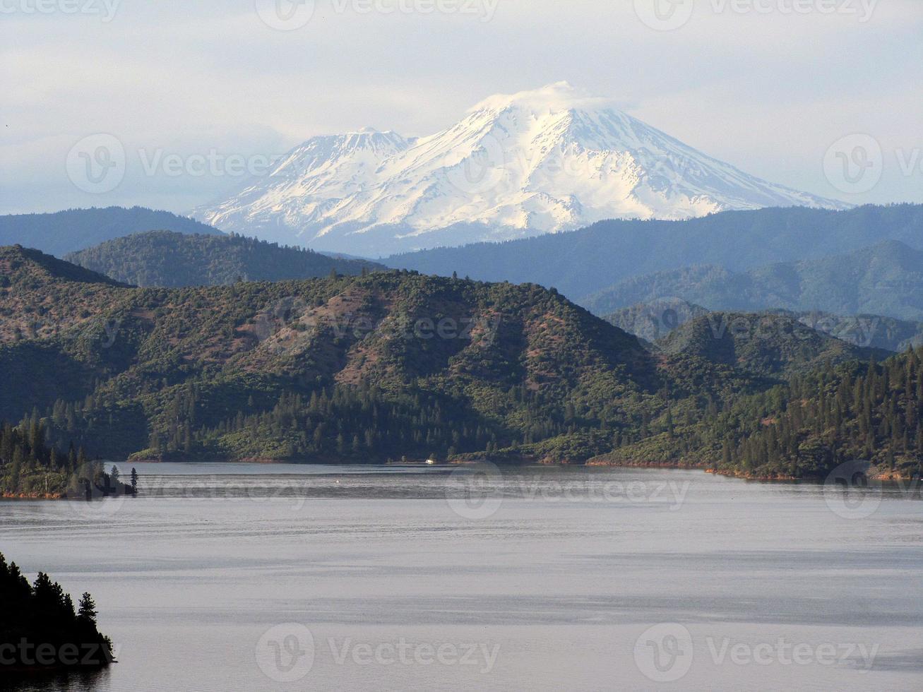 Mount Shasta der weiße Berg foto