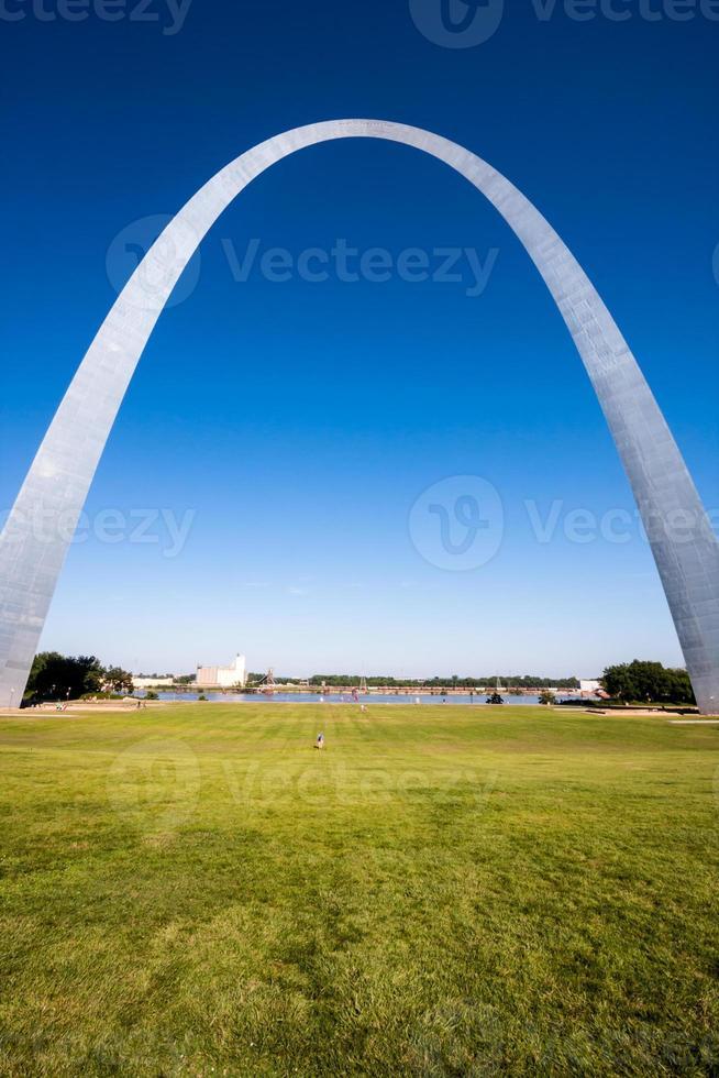 der Gatewaybogen in st. Louis, Missouri. foto