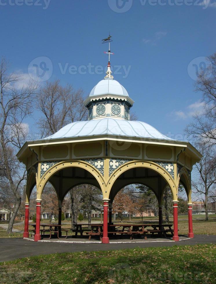 alter Spielplatzpavillon foto