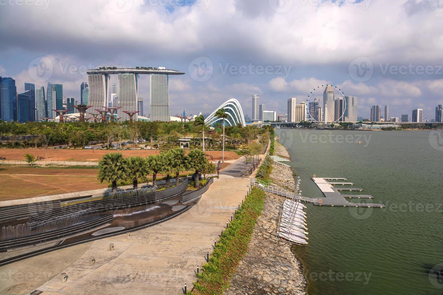 Blick auf die Skyline der Stadt Singapur in der Marina Bay foto