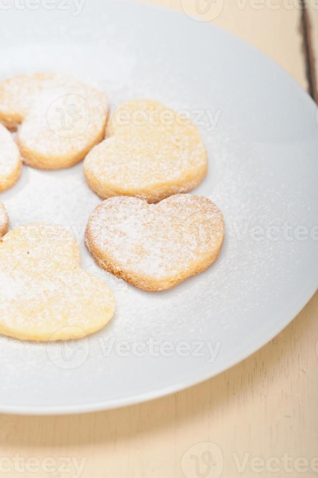 herzförmige Shortbread-Valentinskekse foto