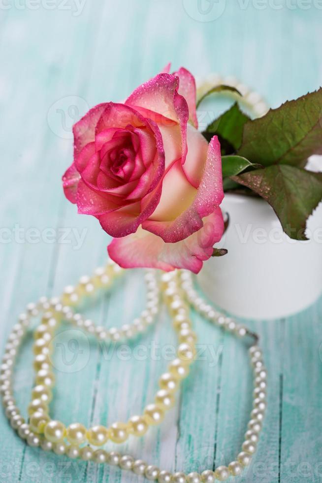 Postkarte mit eleganten Blumen foto
