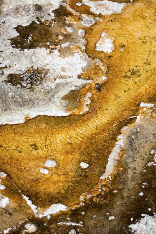 abstrakte orange und weiße Muster im geothermischen Bereich, gelbsto foto