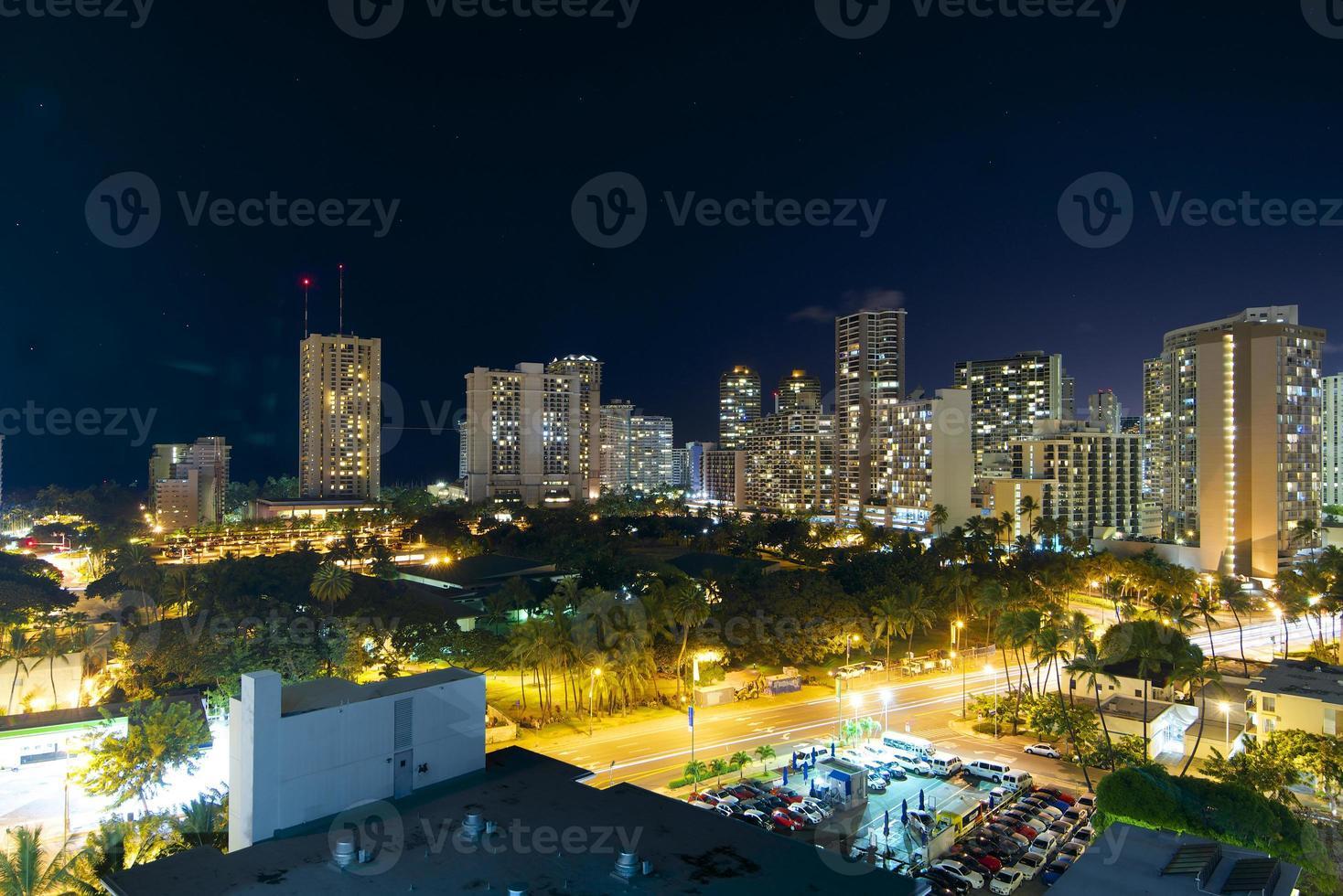 Waikiki Beach Hotels Oahu bei Nacht foto