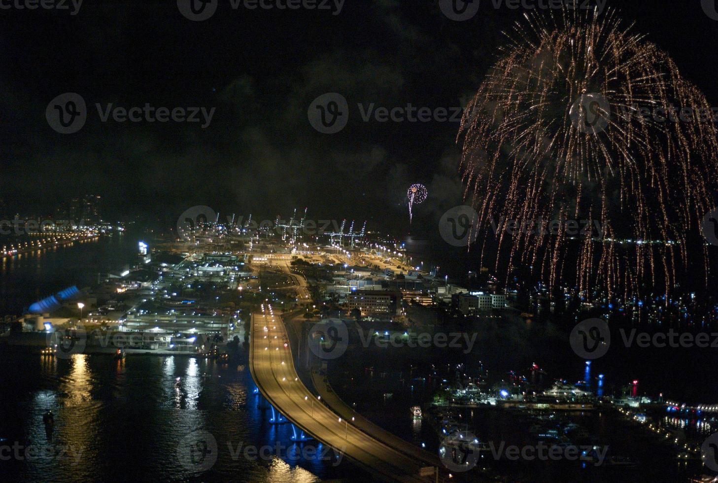 Nachtszene Miami Seehafen 4. Juli foto