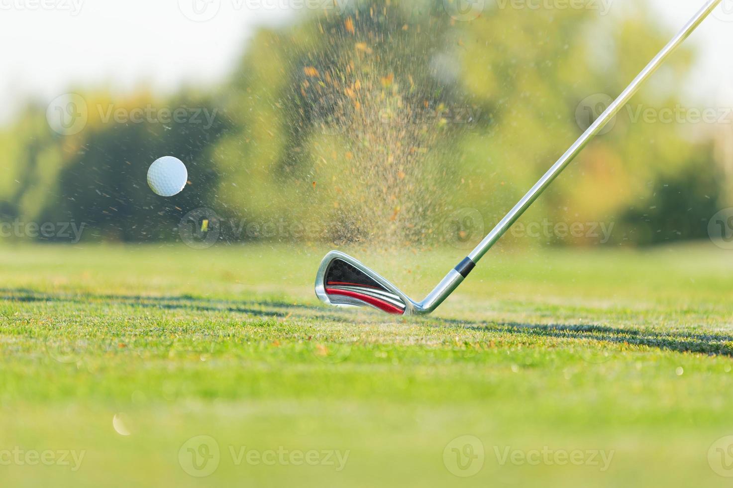Nahaufnahme des Golfballs. foto