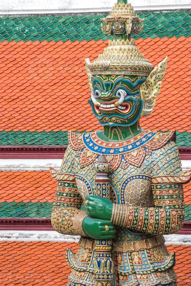 Dämonenwächter bei Wat Phra Kaew foto
