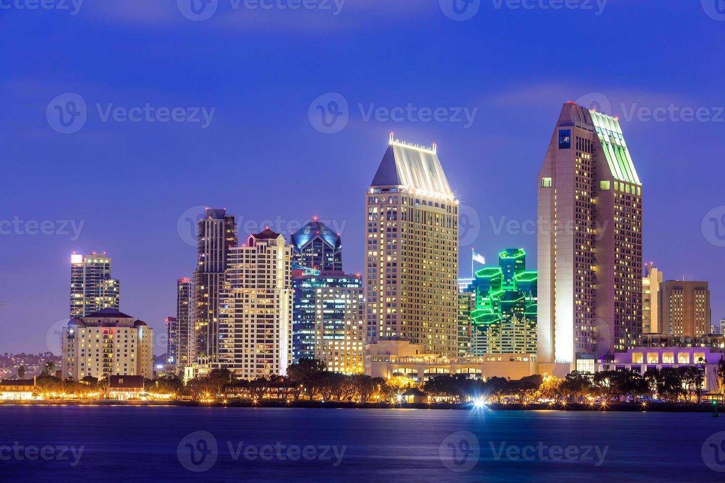 Skyline von San Diego, Kalifornien von Coronado Bay foto