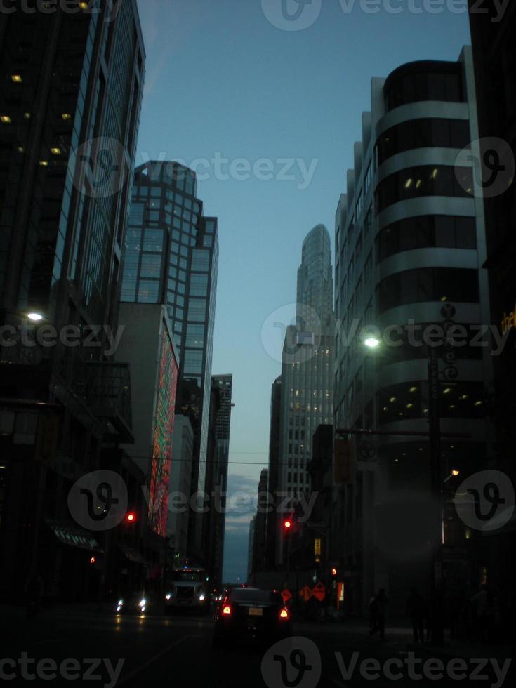 Stadt der Wolkenkratzer von Toronto in der Nacht foto