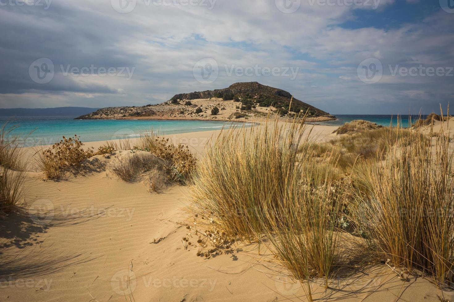 schmales Geflecht zur Halbinsel, Simos Beach, Elafonisos, Griechenland foto