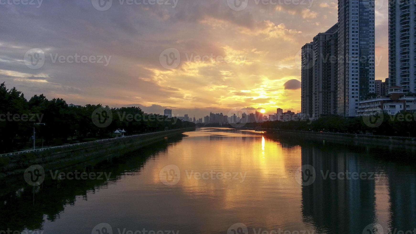 Stadt Sonnenuntergang Landschaft foto
