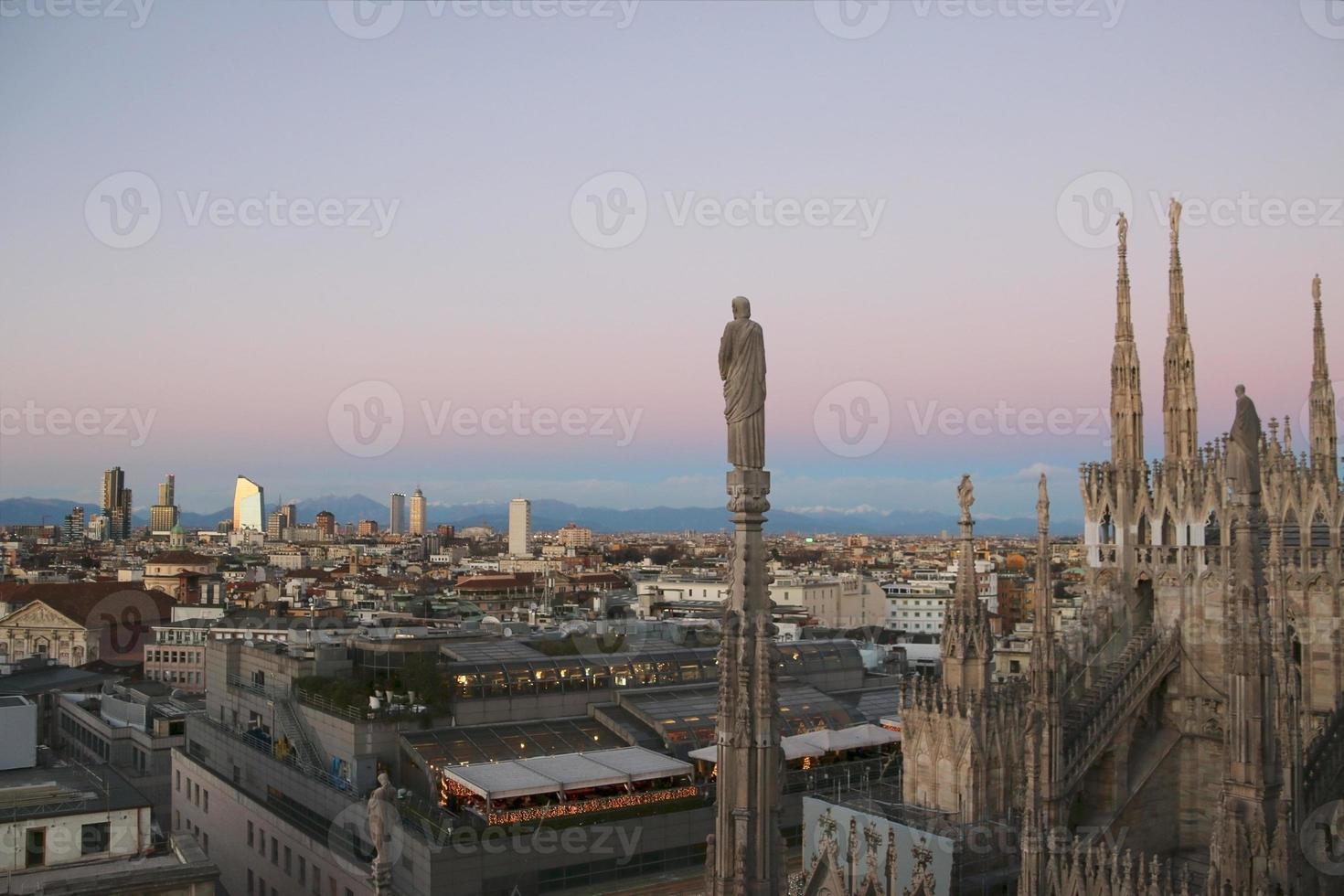 Blick auf Mailand vom Dom am Abend. v.5. foto