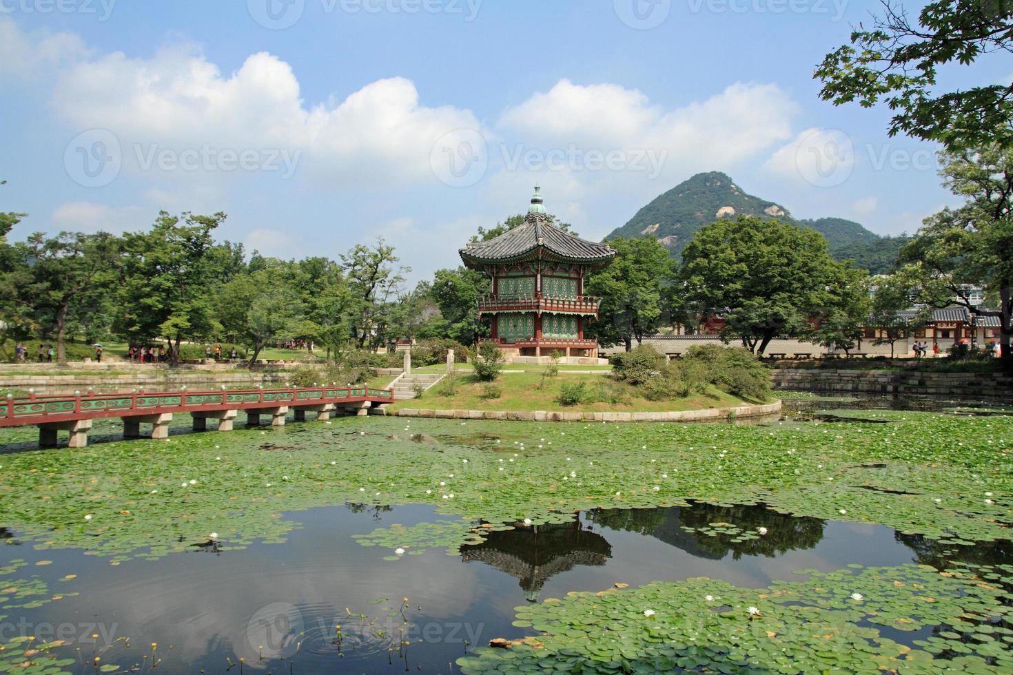 Hyangwonjeong von Gyeongbokgung in Seoul, Korea foto