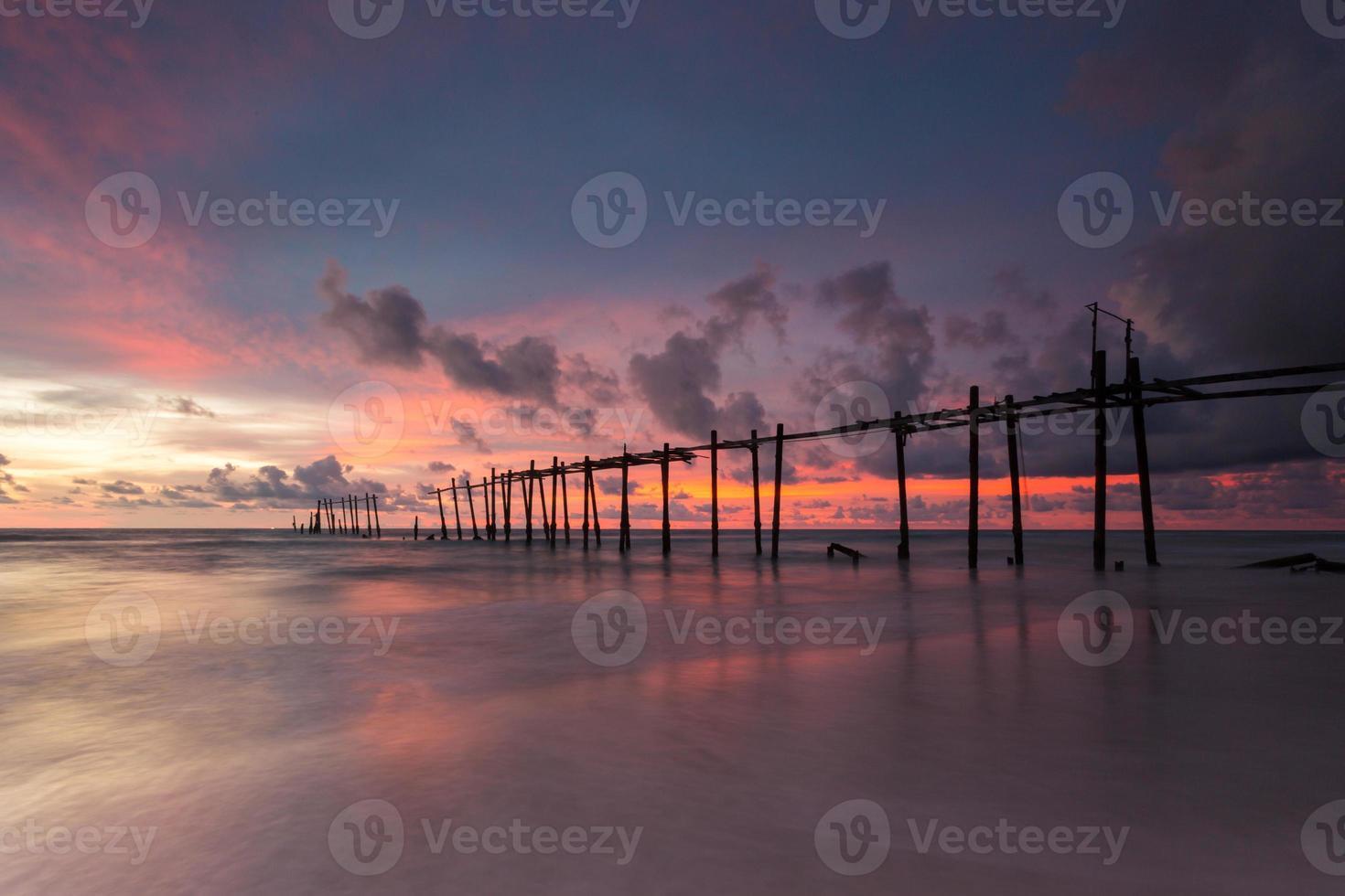 hölzerne Fischerbrücke, Thailand foto