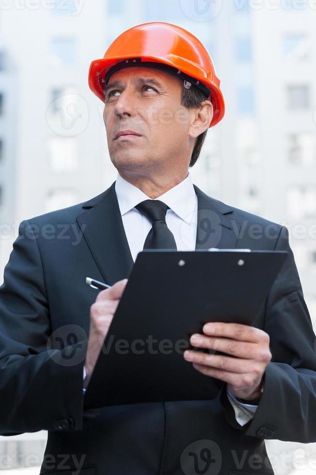 selbstbewusster Vorarbeiter. foto