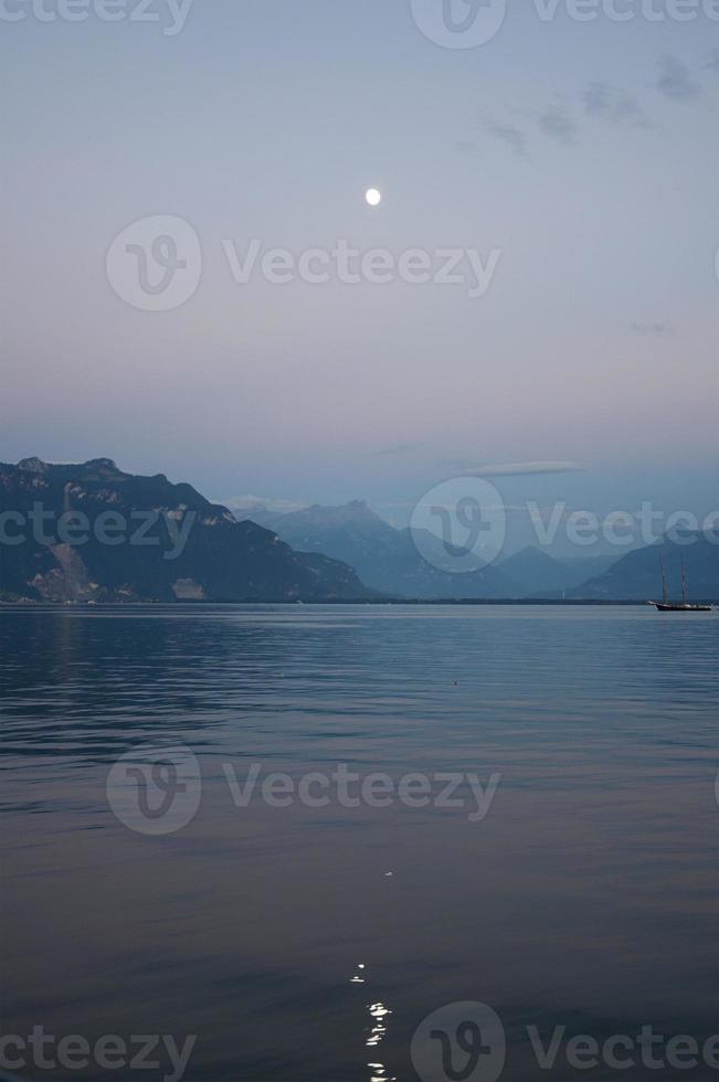 Genfer See an einem Sommerabend foto