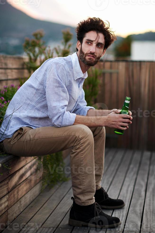 Porträt des jungen Mannes foto