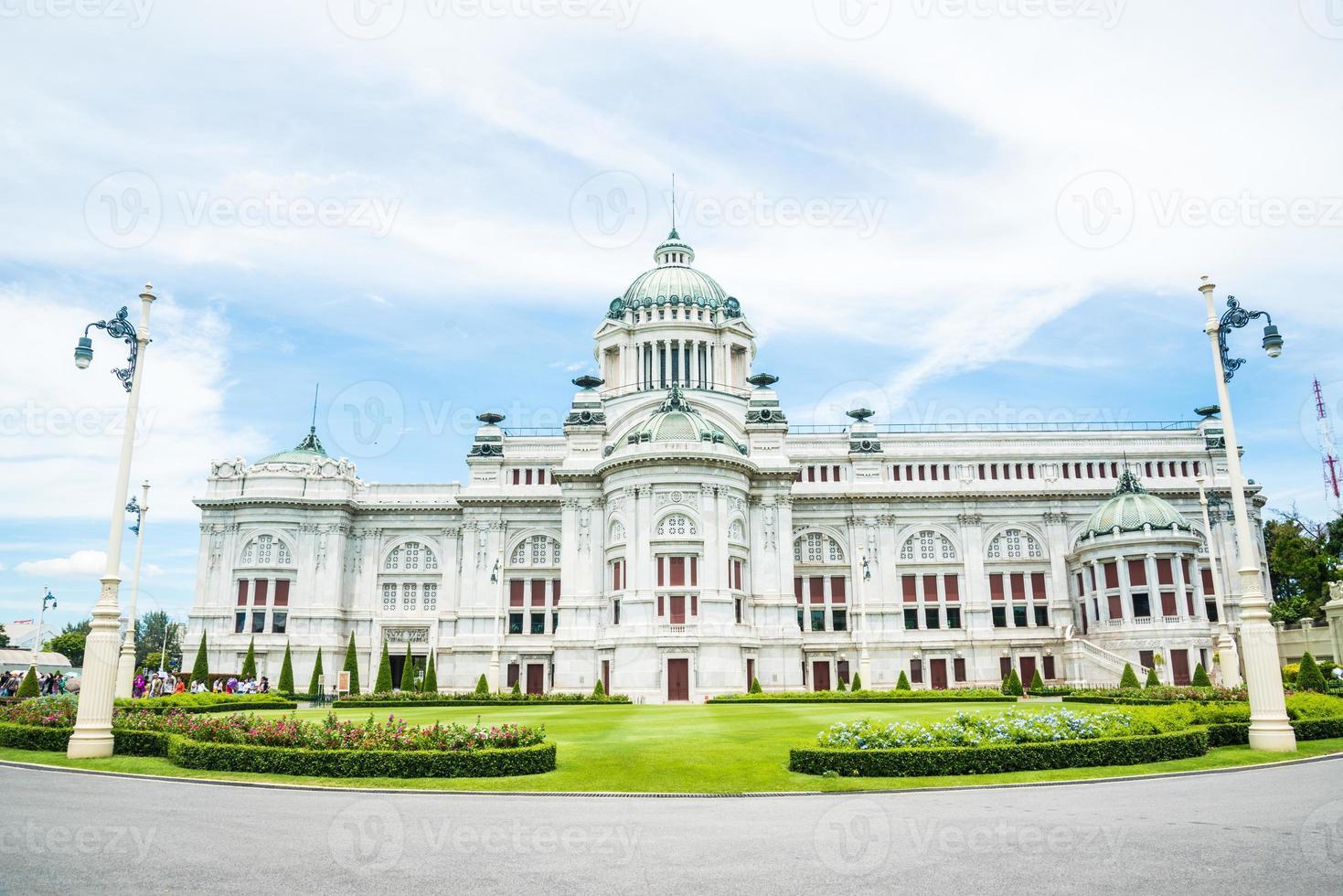 Thronsaal des Ananta Samakhom Palastes im thailändischen königlichen Dusit Palast. foto