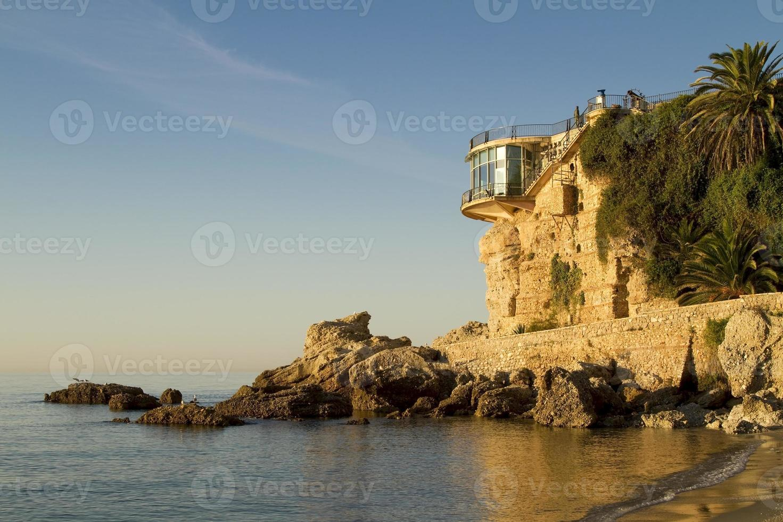 balcon de europa bei sonnenaufgang in nerja foto