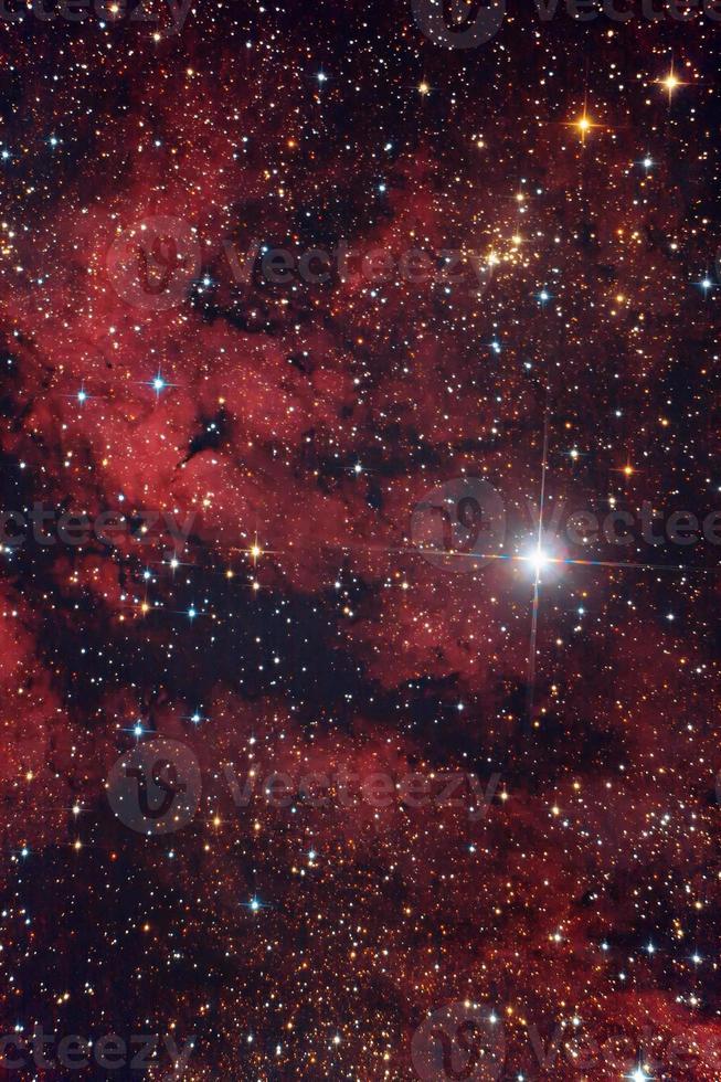 roter Nebel Gamma Cygni in Cygnus-Konstellation foto