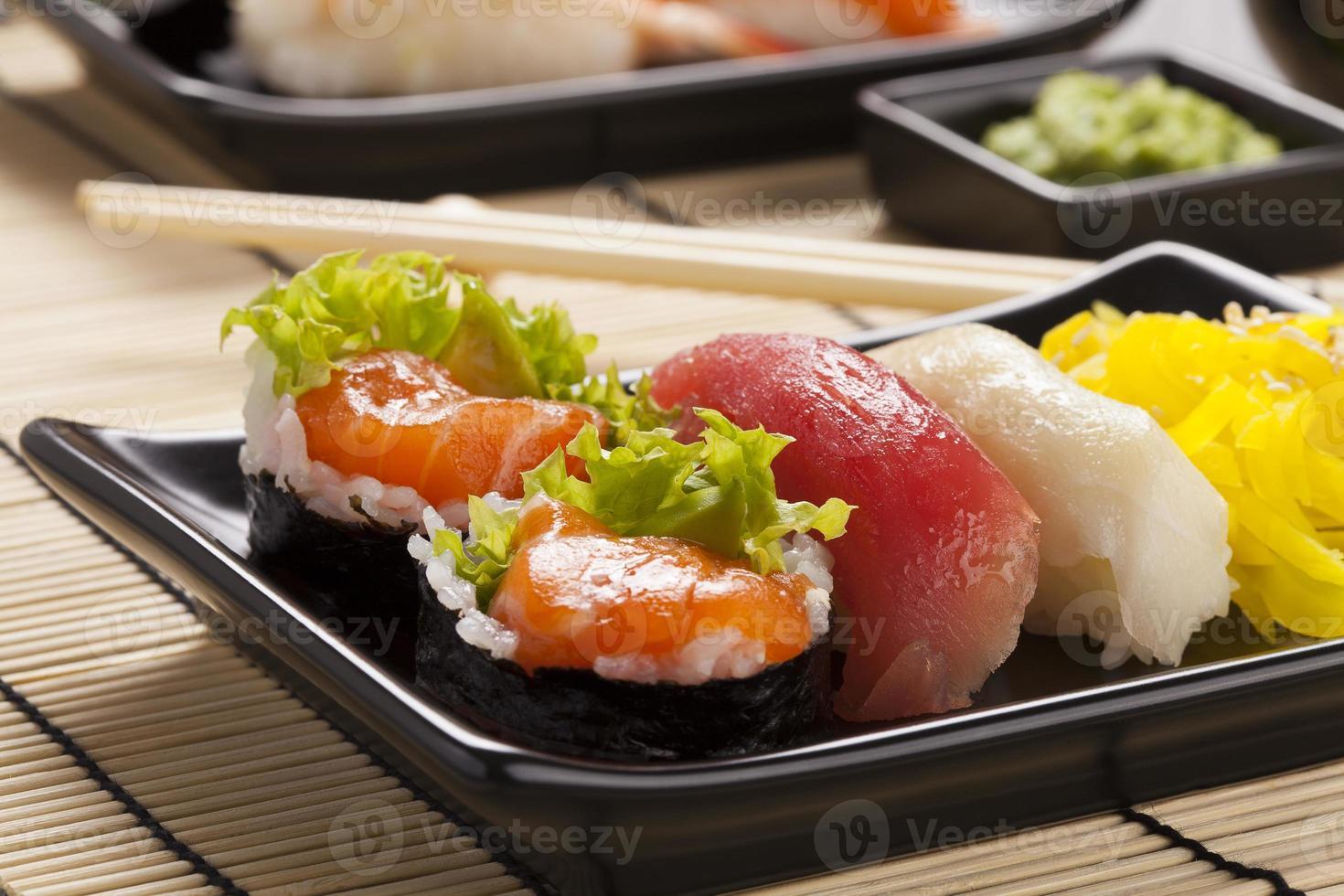 die Zusammensetzung von Sushi foto