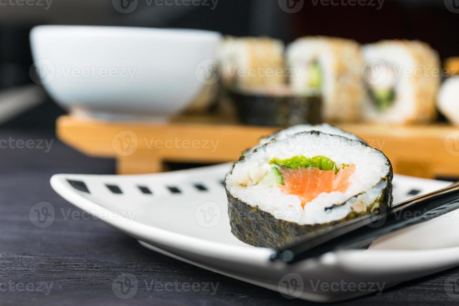 Nahaufnahme von Sushi, japanischen Meeresfrüchten foto