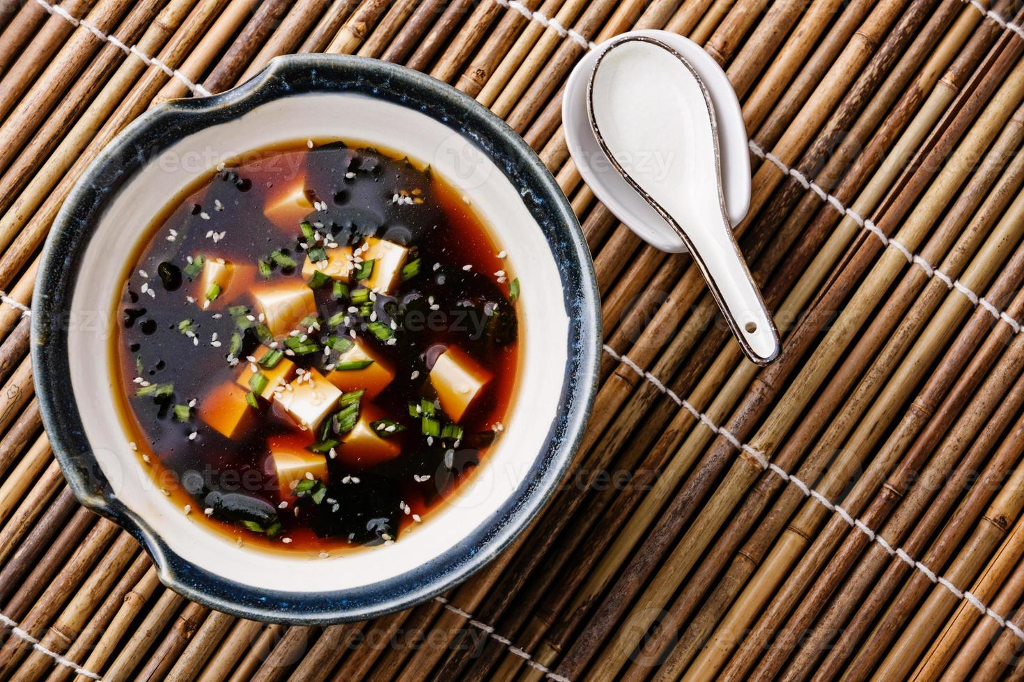 Misosuppe mit Tofu foto