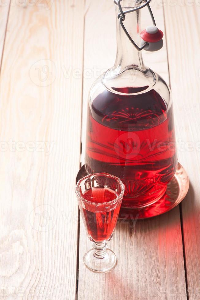 Rotwein oder Schnaps foto