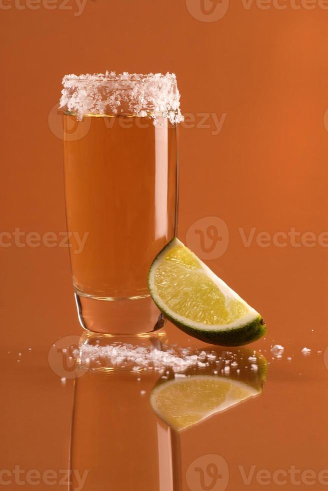 Schuss Tequila mit Salz foto
