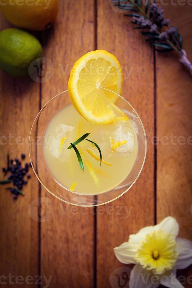 Zitronen-Zitrus-Getränk foto