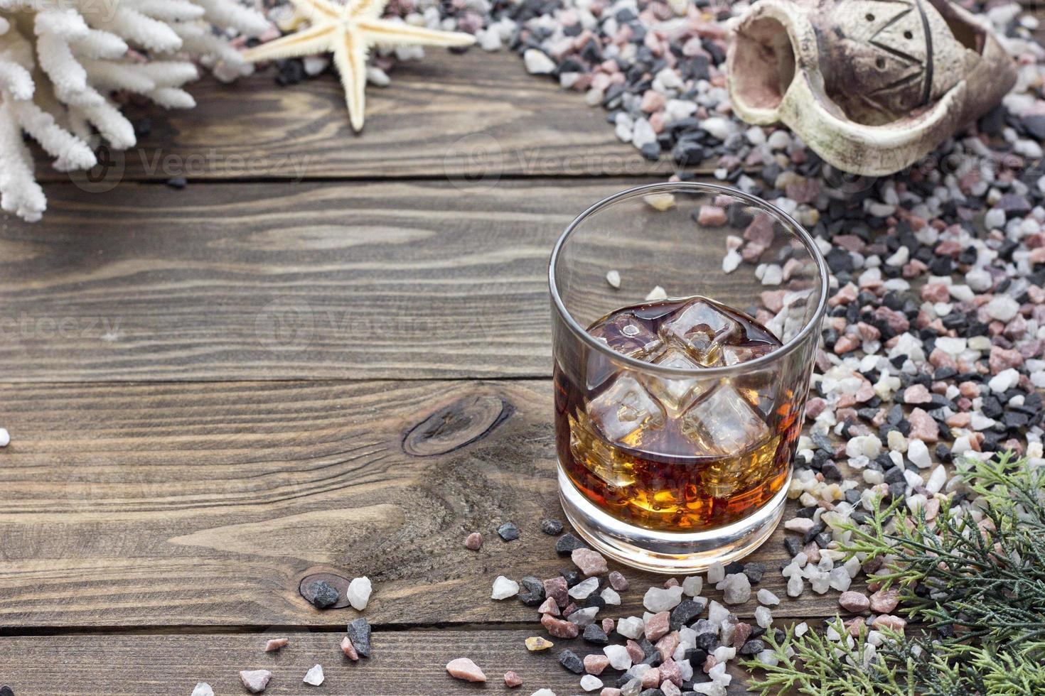 Whisky zwischen Muscheln foto