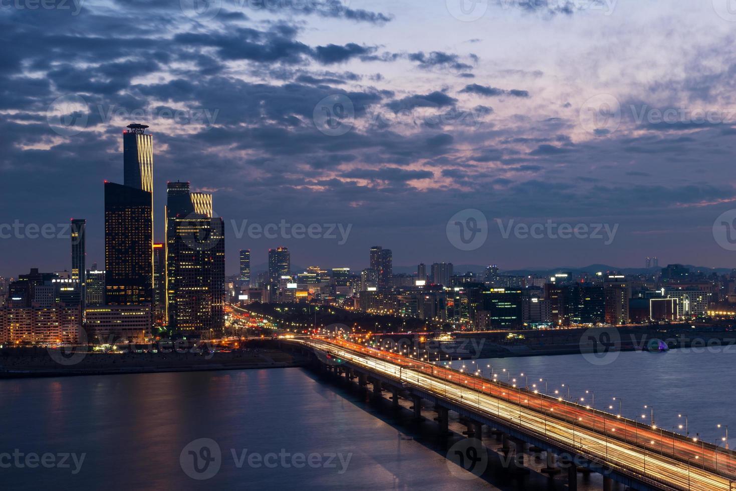 Seoul in der Abenddämmerung foto
