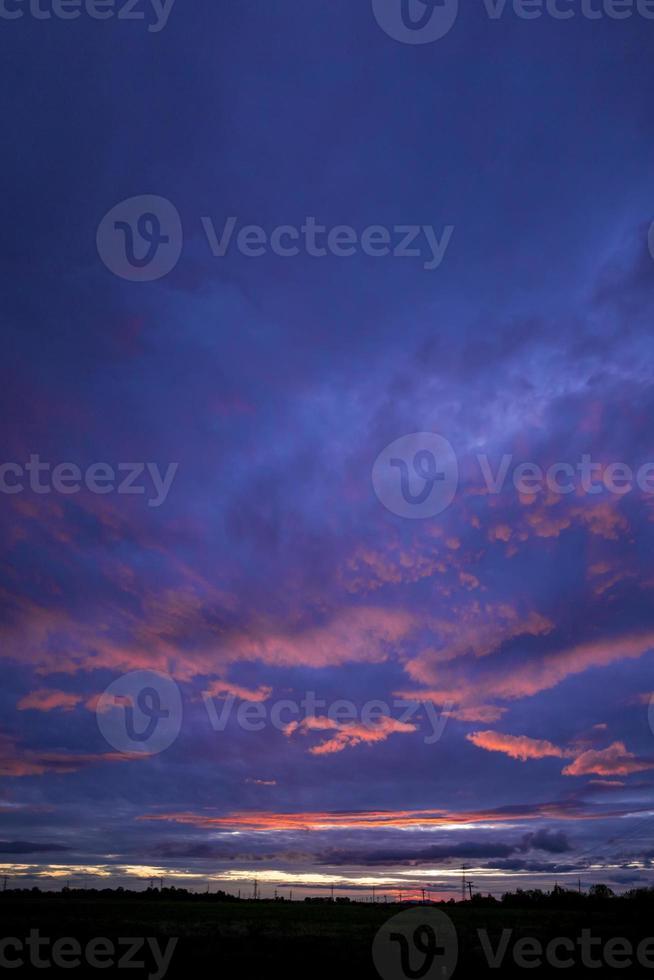 Stadt im Sonnenuntergang foto