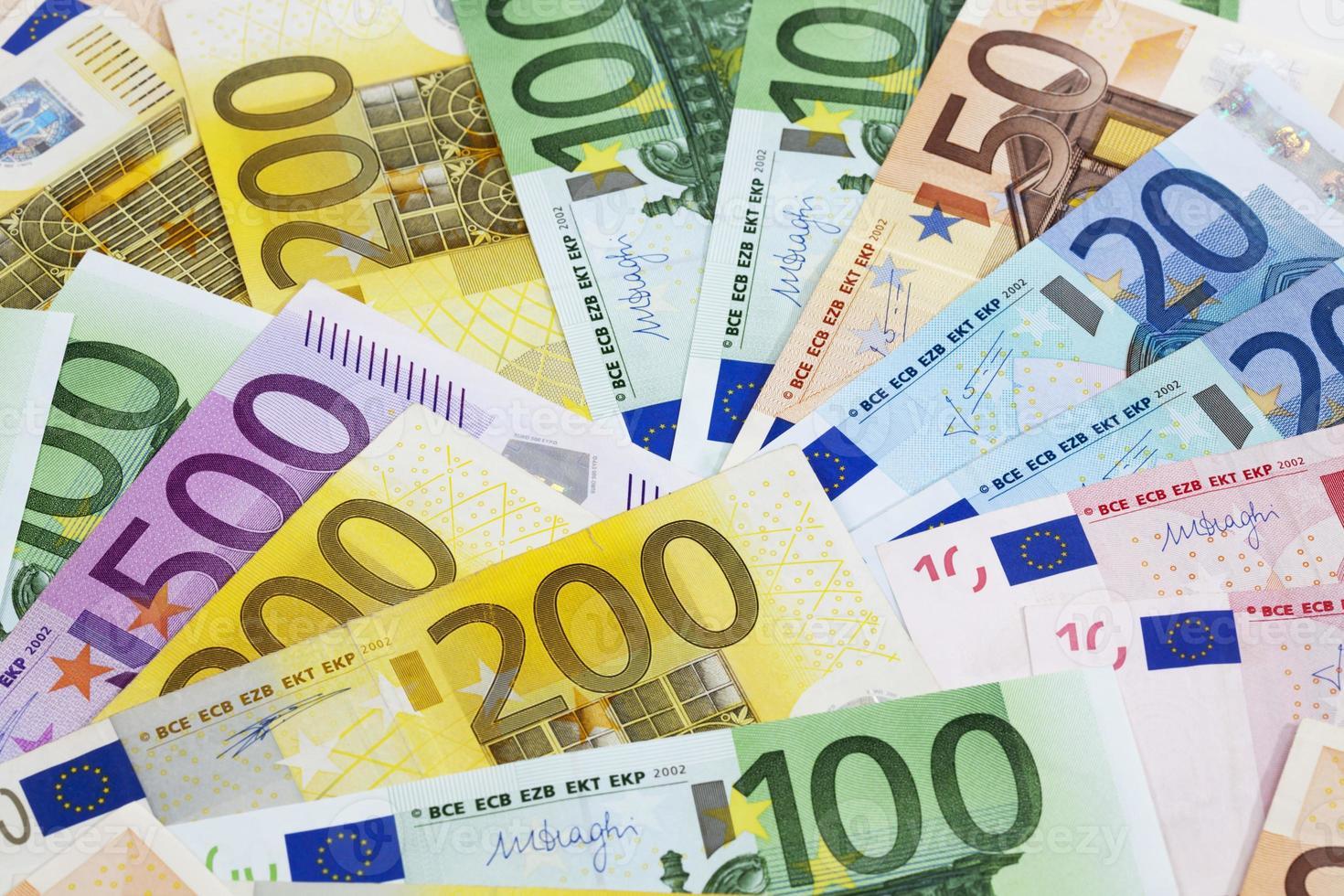 aufgefächerte Euro-Banknoten foto