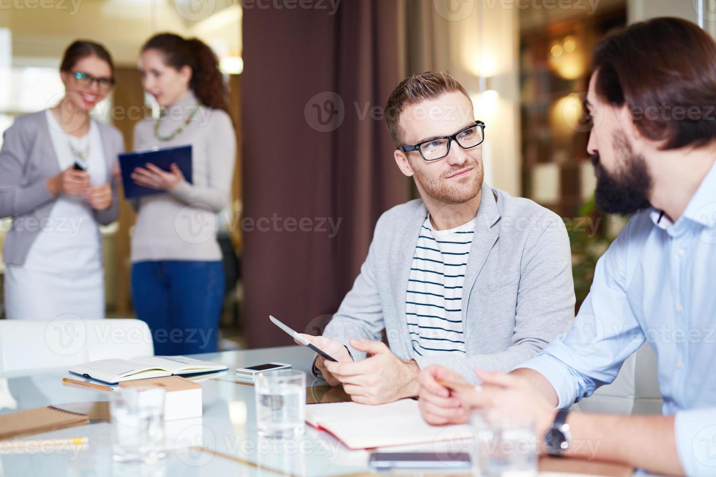 Manager bei der Arbeit foto