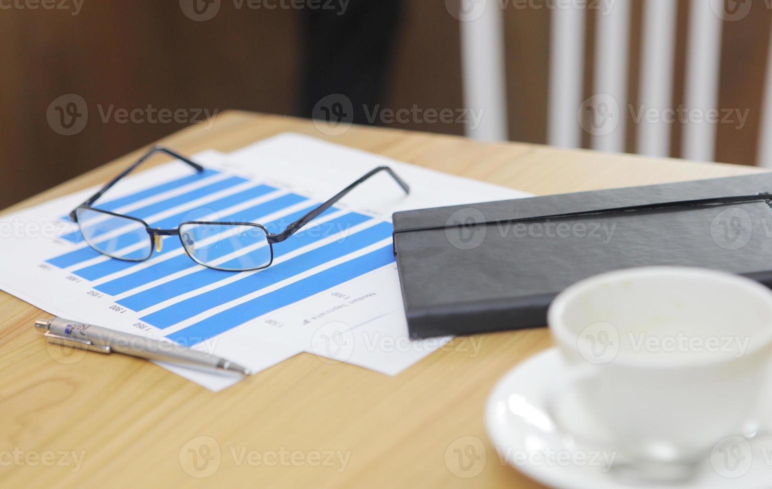 Geschäftsleute bei der Arbeit foto