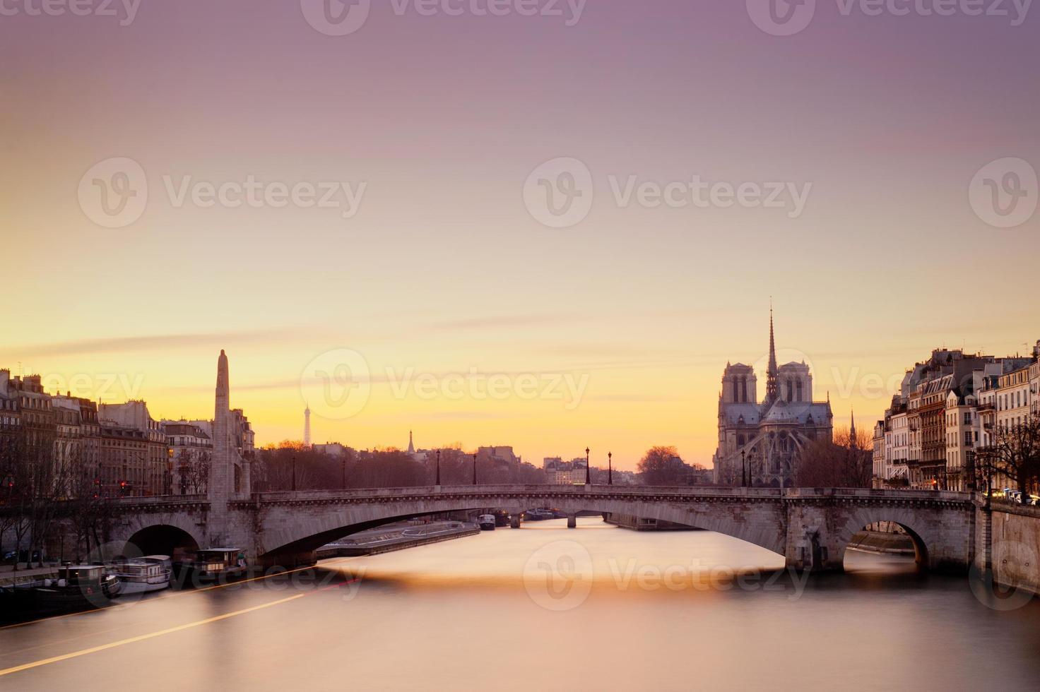 notre dame de paris - frankreich foto