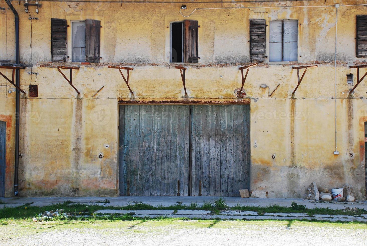 verfallenes frulianisches landwirtschaftliches Gebäude foto