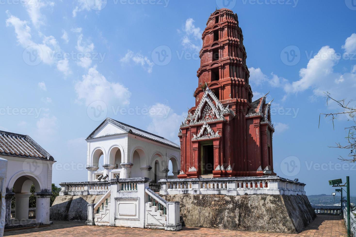alter thailändischer Königspalast in der Provinz Phetchaburi, Thailand foto